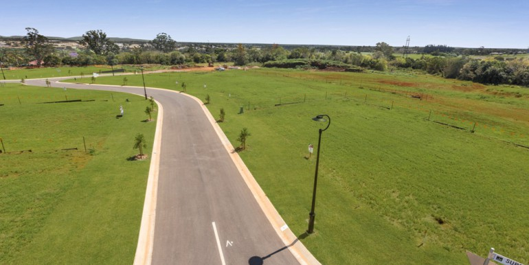 Hilltop land Bridgeman Downs - October 2017 (4)